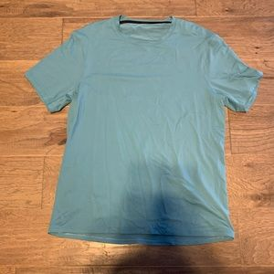 Men's Lululemon shirt. Size Medium
